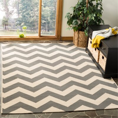 Mullen Indoor/Outdoor Area Rug Rug Size: Rectangle 53 x 77