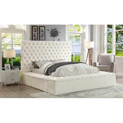 Ruthann Velvet Upholstered Platform Bed Size: Queen, Color: White