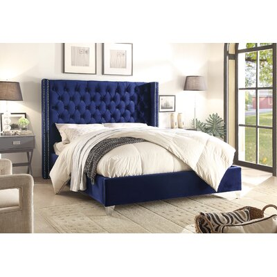Inverness Upholstered Platform Bed Size: King, Color: Navy
