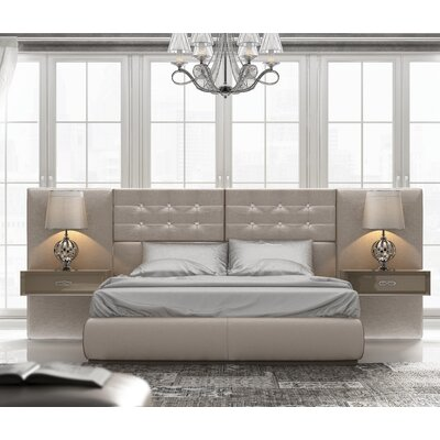 Knorr Panel Bed Size: Queen