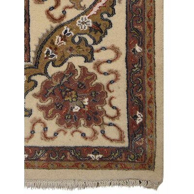 Marathon Hand-Knotted Wool Cream/Red Area Rug Rug Size: 8 x 10