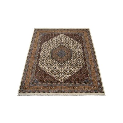 Marathon Hand-Knotted Wool Cream Area Rug Rug Size: 5 x 8