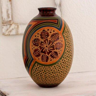 Candlewood Floral Decorative Table Vase 4F697AF6EEEA4ACBB2883DC7E8C1BC05