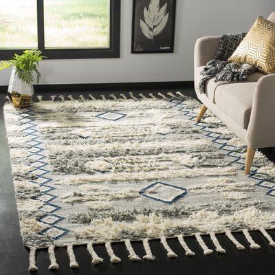 Cedar Drive Hand-Knotted Gray/Ivory Area Rug Rug Size: Rectangle 5 x 8