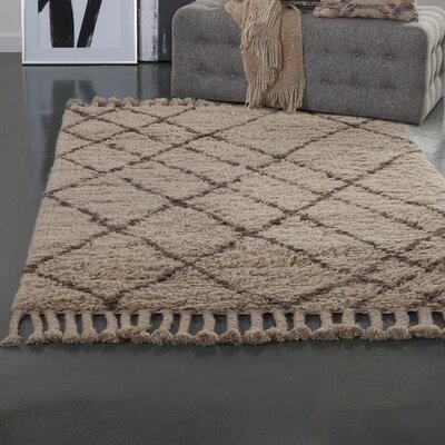 Lisson Tan/Brown Area Rug Rug Size: 5 x 8