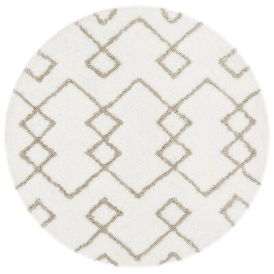 Livingstone Hand-Tufted Ivory/Silver Area Rug Rug Size: Round 5