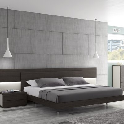 Keesha Platform Bed Size: King
