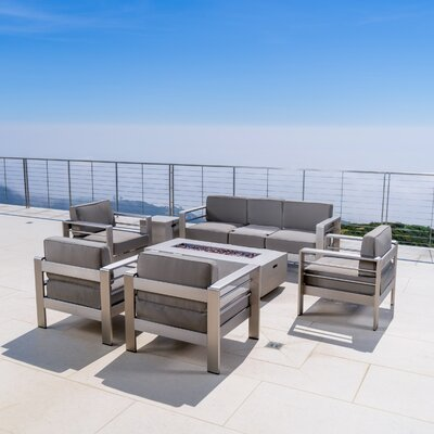 Splendid Sofa Set Product Photo