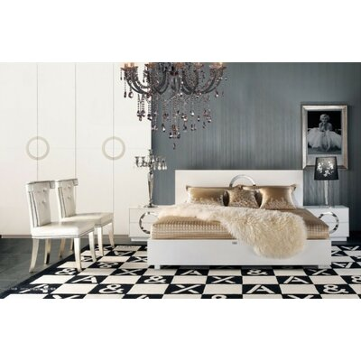 Coachella Platform Bed Size: California King, Color: White