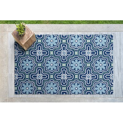 Bette Hand-Tufted Blue Indoor/Outdoor Area Rug Rug Size: Rectangle 5 x 76