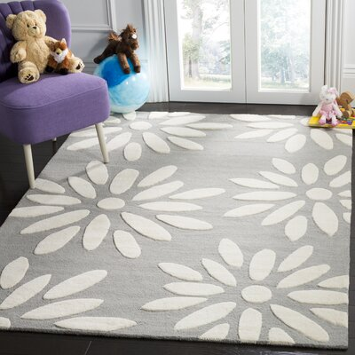 Claro Daisy Hand-Tufted Gray/Ivory Area Rug Rug Size: Rectangle 6 x 9