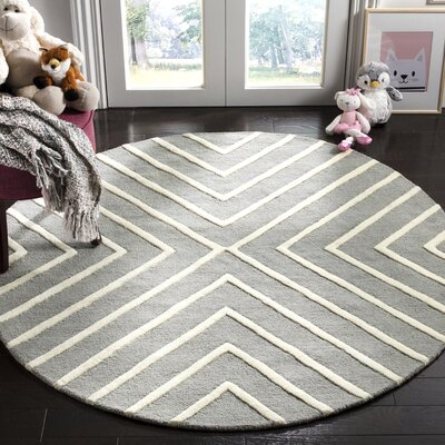 Claro X Pattern Hand-Tufted Gray/Ivory Area Rug Rug Size: Round 5