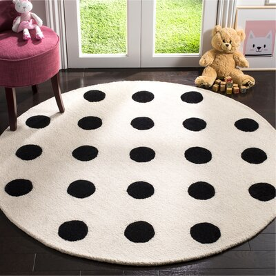 Claro Polka Dots Hand-Tufted Ivory/Black Area Rug Rug Size: Round 5