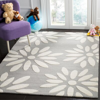 Claro Daisy Hand-Tufted Gray/Ivory Area Rug Rug Size: Rectangle 5 x 7