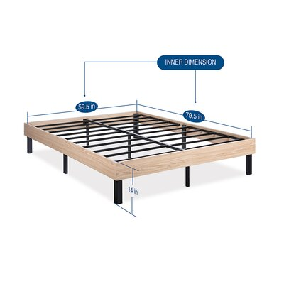 Classic Wood Platform Bed Frame Size: Queen