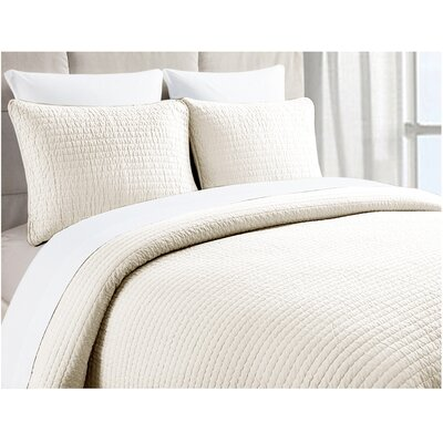 Riga Pick Stitch 3 Piece Quilt Set Color: Light Ivory, Size: King