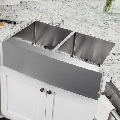 16 Gauge Stainless Steel 32.88 x 20.75 Double Basin Farmhouse/Apron Kitchen Sink with Low Profile Pull Out Faucet