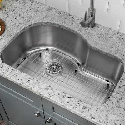 18 Gauge Stainless Steel 31.5 x 21.13 Undermount Kitchen Sink with Low Profile Pull Out Faucet