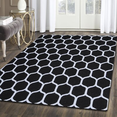 Anniston Hand-Tufted Black/White Area Rug