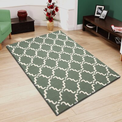 Anniston Hand-Hooked Green/White Area Rug