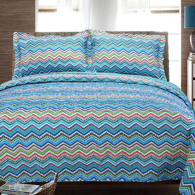 Zig Zag 2 Piece Reversible Quilt Set Color: Blue