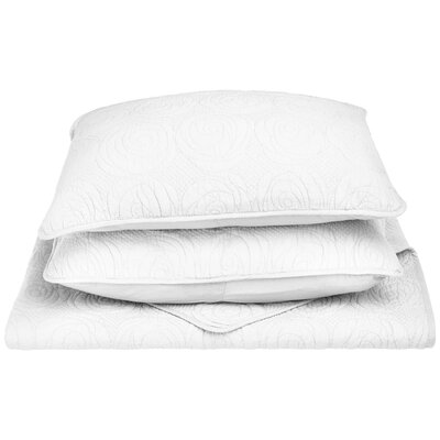Channing Reversible Quilt Set Color: White, Size: Full/Queen