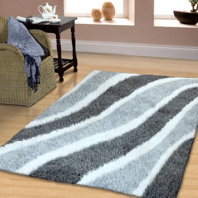 Superior Hand-Woven Gray Area Rug Rug Size: 5 x 8