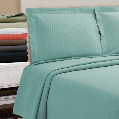 Benito Diamond Solitaire Matelasse Bedspread Size: Full, Color: Aqua
