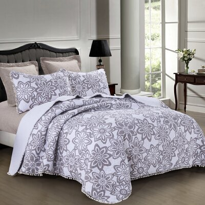 Mentz Reversible Quilt Set Size: Full/Queen
