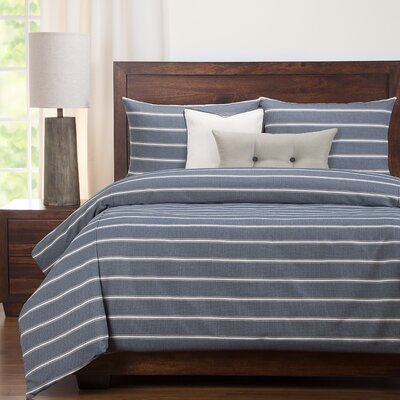 Perrine Traditional Navy Duvet Set Size: Queen