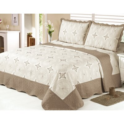 3 Piece Quilt Set Color: Brown