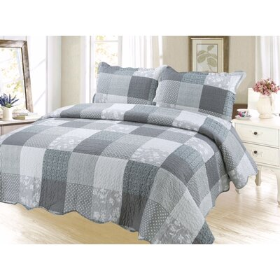 Cameron Elegant Plaid Reversible Quilt Set Size: Queen
