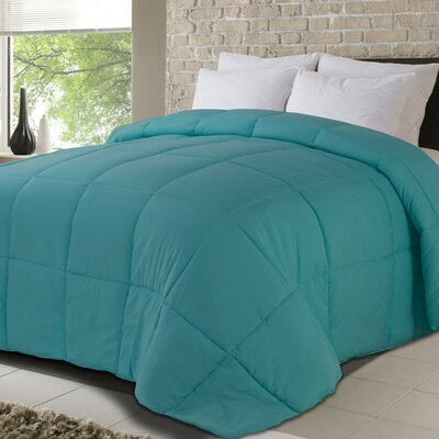 All Season Down Alternative Comforter Size: Queen, Color: Turquoise