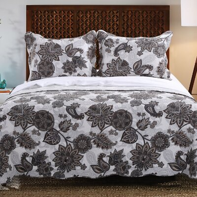 Jacobean Reversible Quilt Set Size: Full/Queen