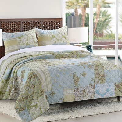 3 Piece Reversible Quilt Set Size: Full/Queen Set