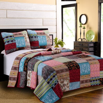 Gina Reversible Quilt Set Size: King