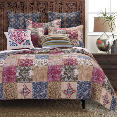 Charmed Quilt Set Size: Full/Queen
