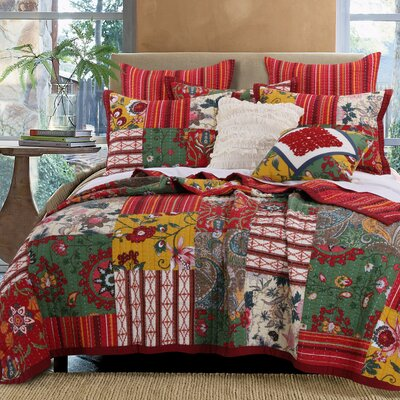 Arcadia Reversible Quilt Set Size: King