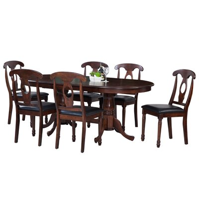 Doretha Traditional Dining Set