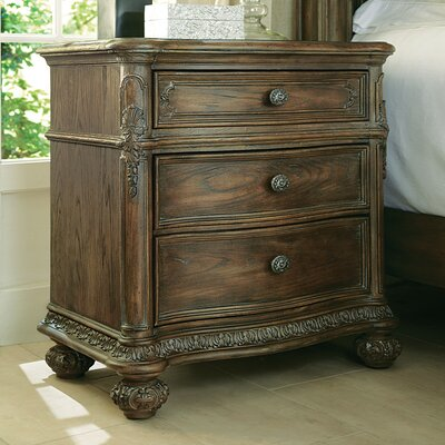 Spencerville 3 Drawer Bachelors Chest Finish: Baroque
