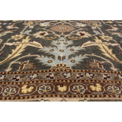 Xenos Hand-Knotted Wool Green/Tan Area Rug