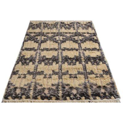 Kimberlee Moroccan Hand-Knotted Wool Ivory/Black Area Rug