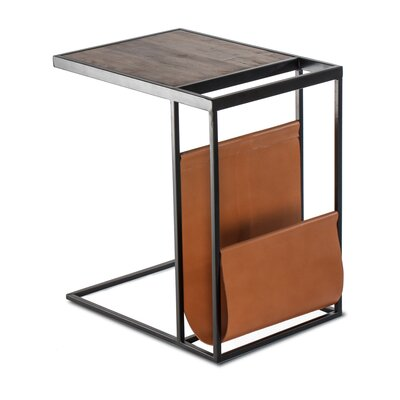 Capucina End Table