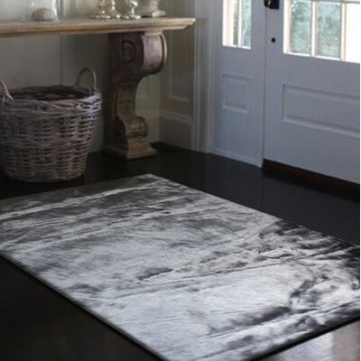 Mizzone Gray Indoor Area Rug