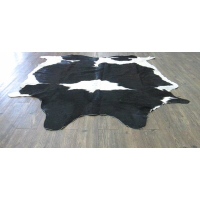 Lynnfield Hand Woven Cowhide Black/White Area Rug