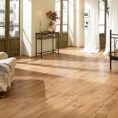7 x 47 x 8mm Oak Laminate Flooring in Tan