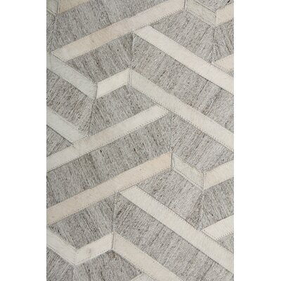Berlin, Leather/Art Silk, Silver/Ivory Area Rug Rug Size: Rectangle 5 x 8