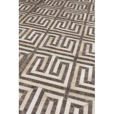 Berlin Beige/Ivory Area Rug Rug Size: Rectangle 136 x 176