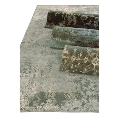 Hundley Hand Knotted Wool/Silk Gray/Silver Area Rug