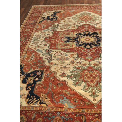 Fine Serapi Hand-Knotted Wool Ivory/Red Area Rug